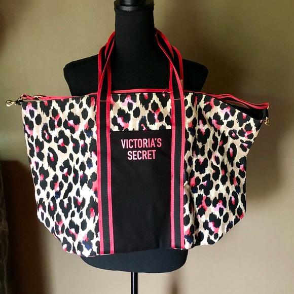Victoria's Secret Handbags - Victoria Secret Bag 💼 NWT